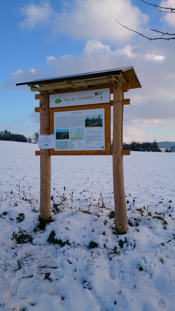 Tafel im Schnee